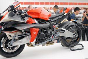 Motorrad auf einer Messe